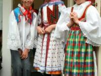 Kids in folklore costumes